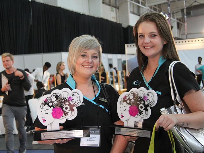 Bianca van der Merwe and Joanette Koegelenberg receive 3rd places at EOHCB championships
