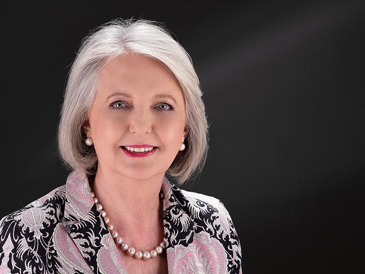 Managing Director - Tina Schöltz